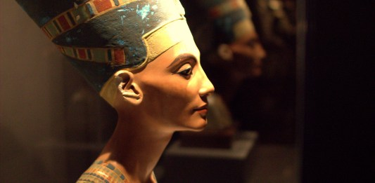 Replica del busto de Nefertiti. Una de las posibles reinas faraón del Antiguo Egipto