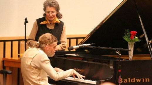 Leslie Lemke tocando piano