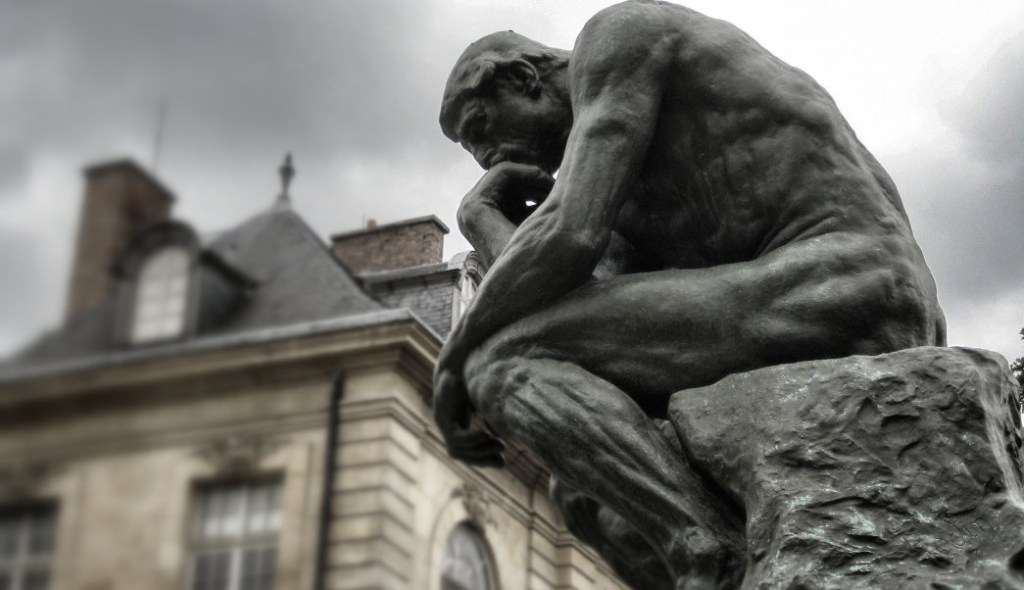 estatua de El Pensador