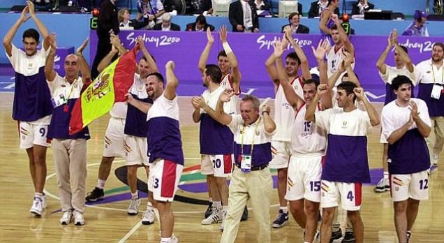 jugadores celebrando triunfo
