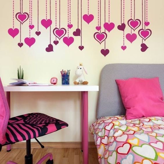 pared de corazones 84