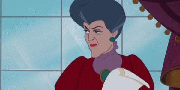 f411a1713 A melhor definição de MÁdrasta é essa senhora. Lady Tremaine não tem nenhum  poder vindo do inferno