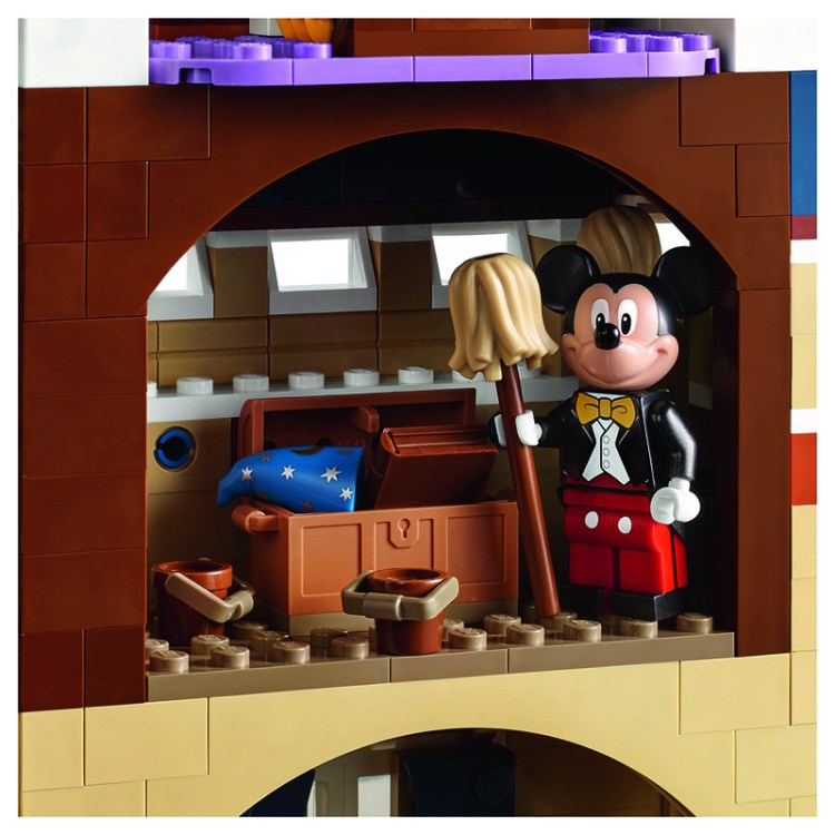 lego_disney_castle_back_3