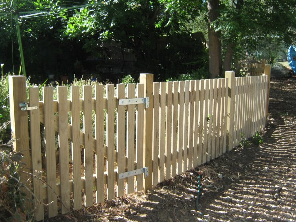 Small Picket Fence - Kamelot Constructions