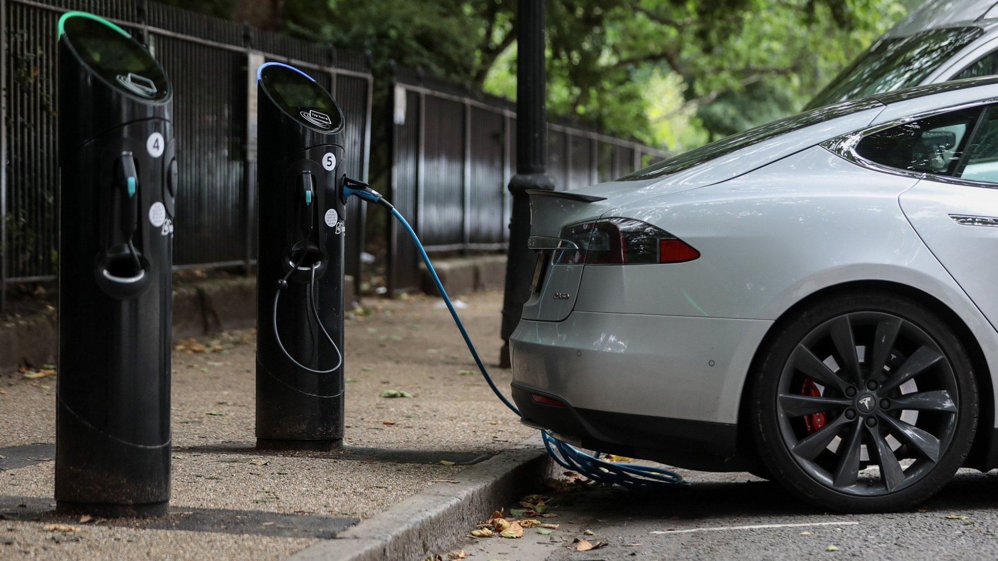 hight resolution of charge electric car but don t boil kettle says national grid