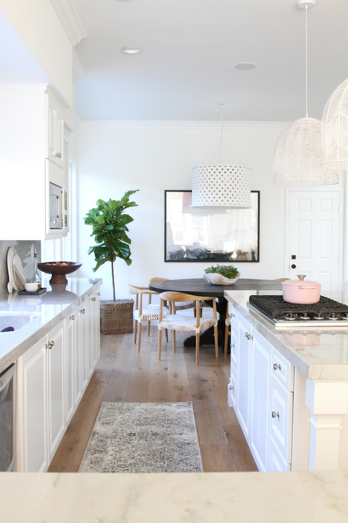 las-palmas-kitchen-becki-owens-black-and-white-rug-4