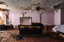 Abandoned Funeral Home In Jacksonville - 9travel