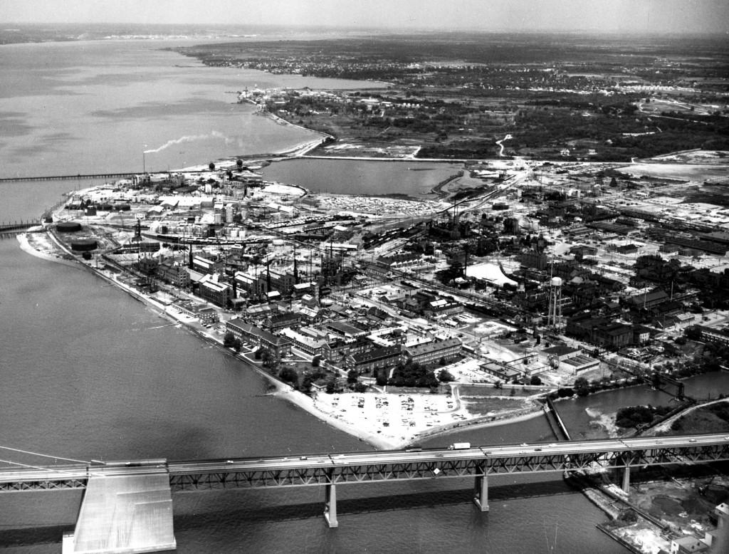 Uma vista aérea do local da DuPont Chambers Works em 1959.