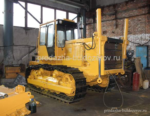 prodazha-buldozer-b10m