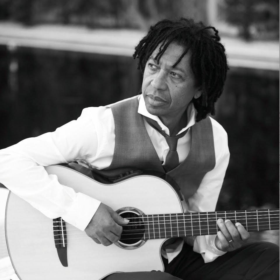 Conheça a história de um dos maiores compositores brasileiros, Djavan