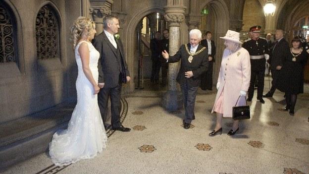 casal convidou a rainha Elizabeth II - curiosidades