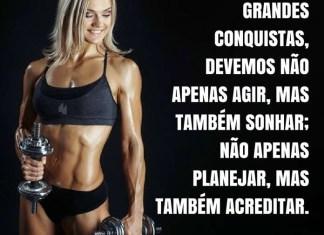 Frases de motivação - Para realizar grandes conquistas, devemos... - Anatole France