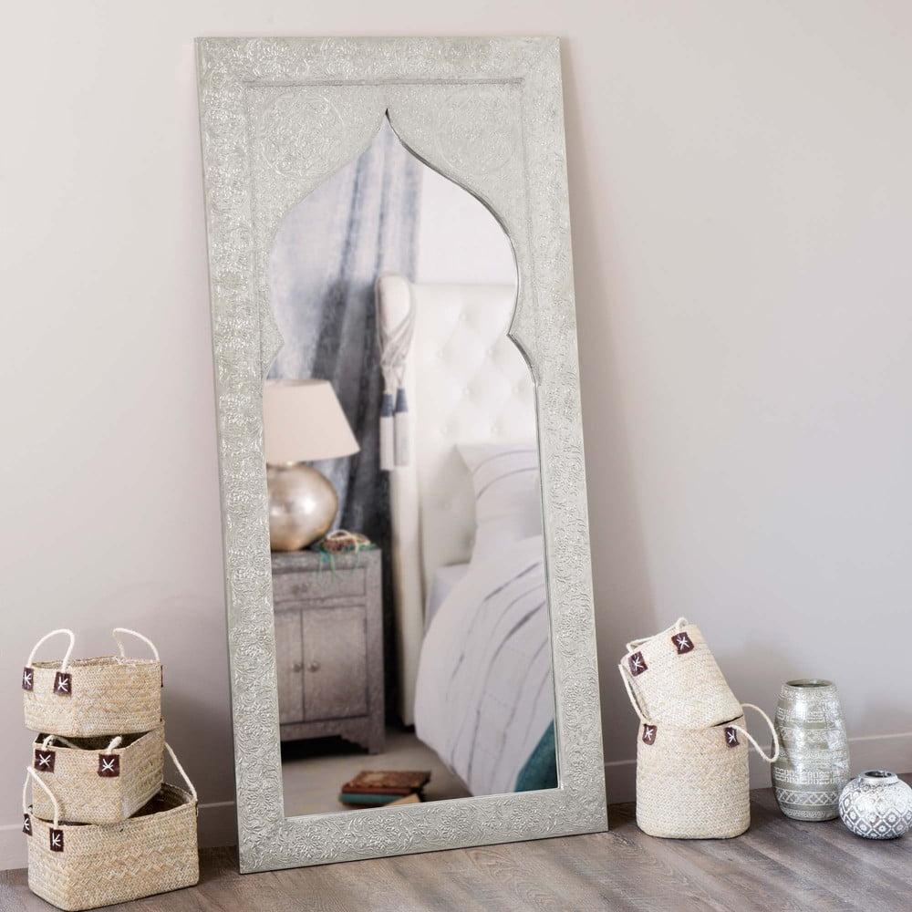 Decoracin perfecta con modernos espejos de Maisons du