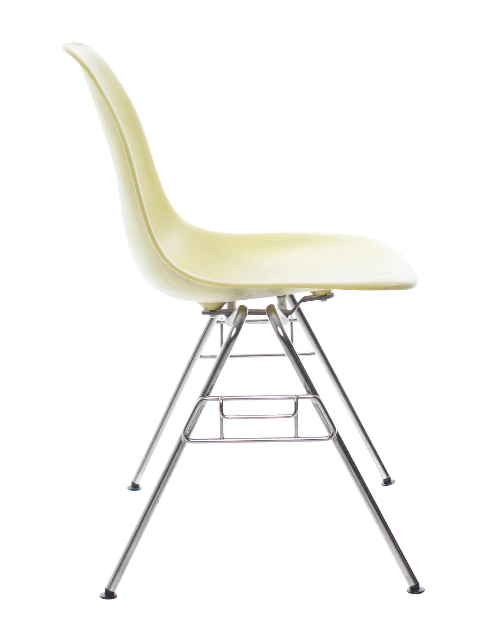 Plastic Stacking Chairs Eames Molded Plastic Stacking Chairs Furniture