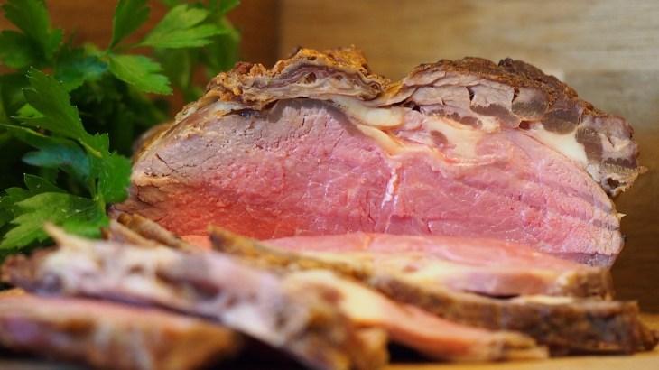 【超簡単】ローストビーフの作り方!今日の食卓を少し豪華にしよう!