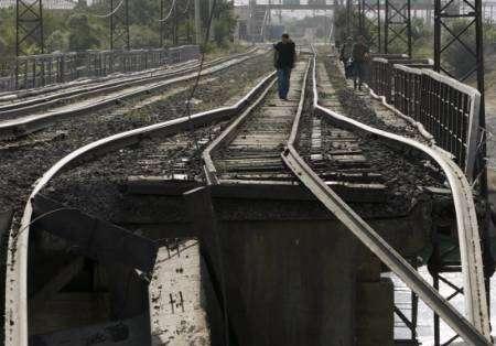 خروج قطارين في بركة السبع عن مسارهما بسبب كسر في القضبان