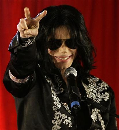 ألبوم مايكل جاكسون يتصدر مبيعات البوب في العالم لا في امريكا..