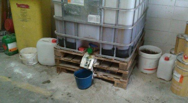 Ejemplo de como no almacenar productos químicos