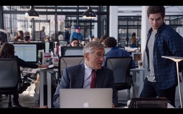 Apple Macbook Pro Intern 2015 Movie