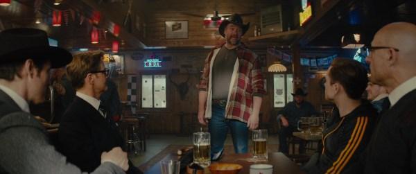 Molson Canadian Neon Signs In Kingsman 2 Golden