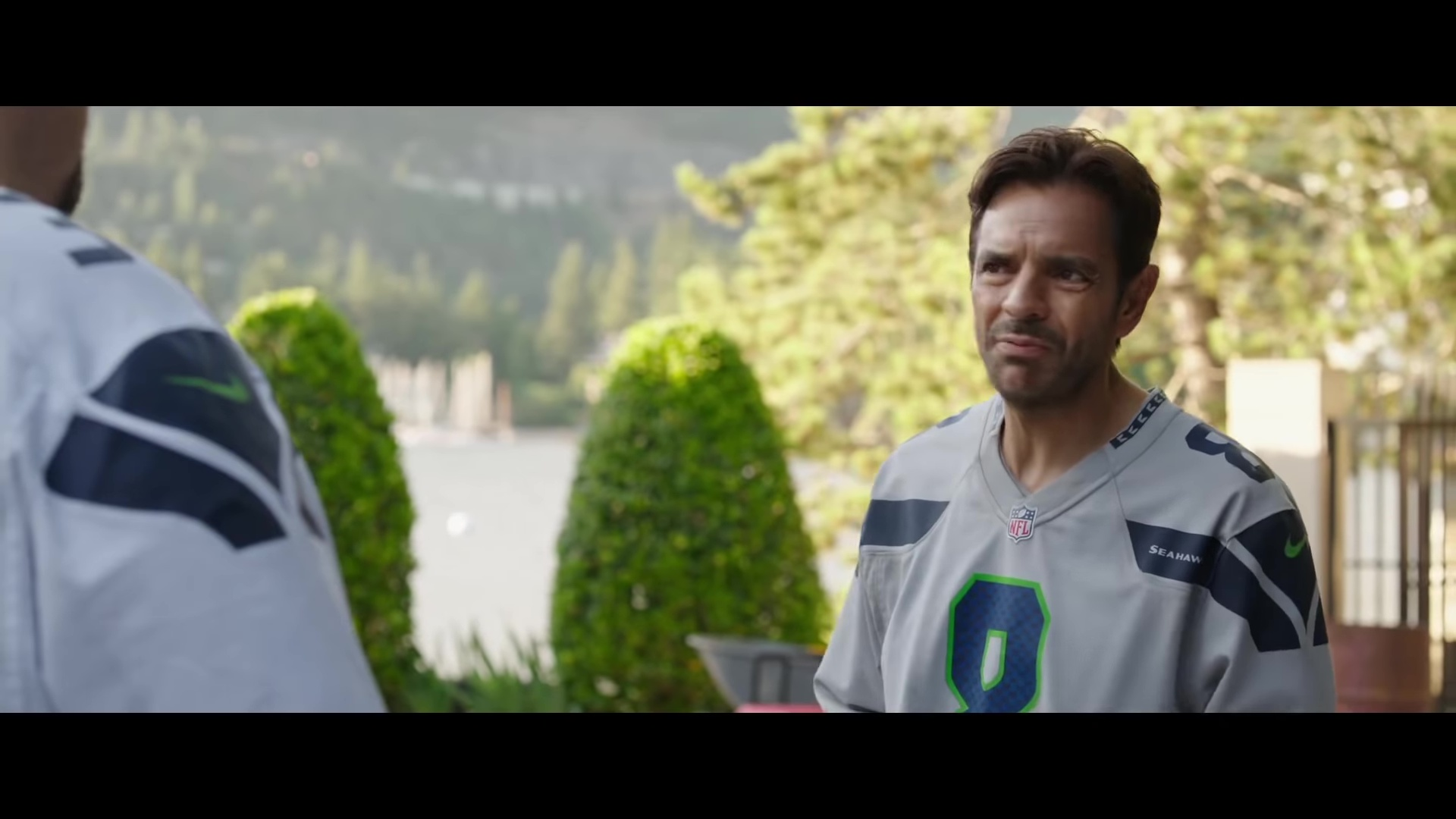 Nike Jersey TShirt NFL and Seattle Seahawks Worn by Eugenio Derbez in Overboard 2018 Movie