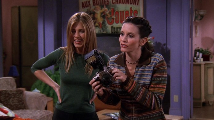 """Canon Camera Used By Courteney Cox (Monica Geller) In Friends Season 5 Episode 11 """"The One With All The Resolutions"""" (1999)"""