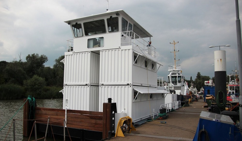 medium resolution of the damen modular pontoon consists of container sized units and can be transported by ship truck or train
