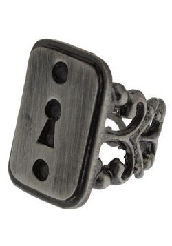 under locks ring (modcloth)