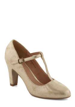 everything's aglow heel in gold (modcloth)
