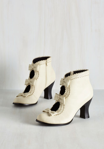 Powerful Protagonist Bootie in Ivory