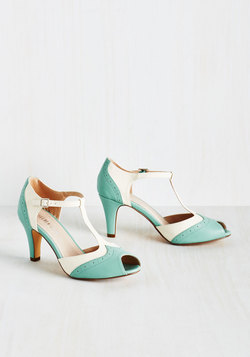 Sweetheart Shop - Going to Gait Lengths Heel in Seaglass