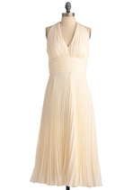 Vintage Wedding Style - University of Marilyn Dress in Cream