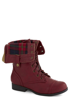 just trekkin' boot in burgundy (modcloth)