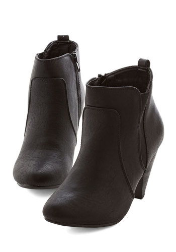 bustling but beautiful bootie in black (modcloth)