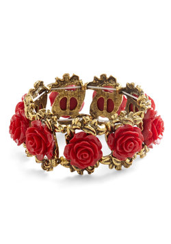 retro rosie bracelet in red (modcloth)