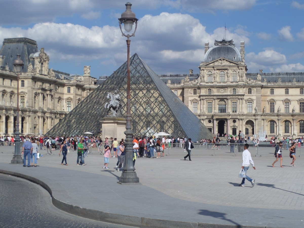Louvre Palace History Tips And Treasures Roaming