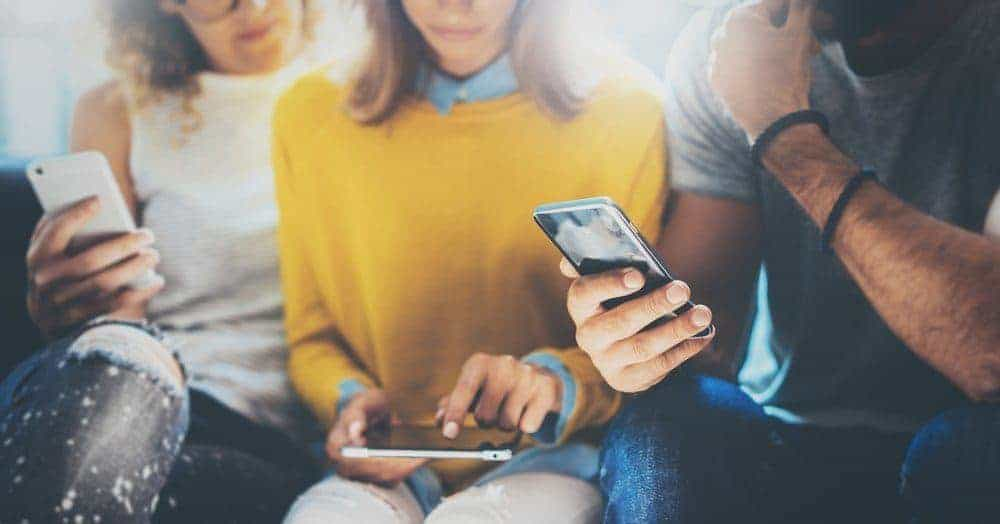 Hoe kun je een zakelijke Facebook-pagina omzetten in een groep - groep vrienden met telefoons
