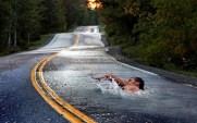Nadando-en-la-Carretera
