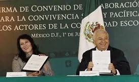 Firman SEP y DIF convenio contra la violencia escolar.