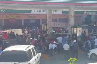 Cansados de la CNTE, gasolineros paran sus servicios y exigen garantías para sus intereses