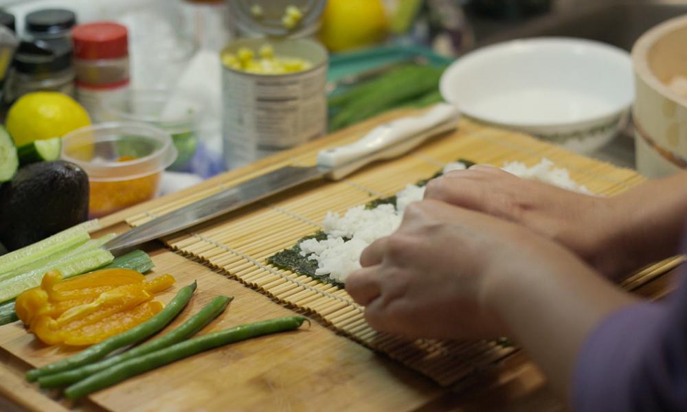 Juana making sushi