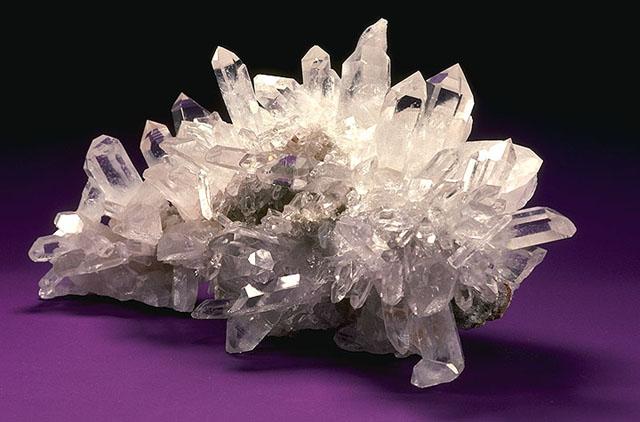 USDA_Mineral_Quartz_Crystal_93c3951