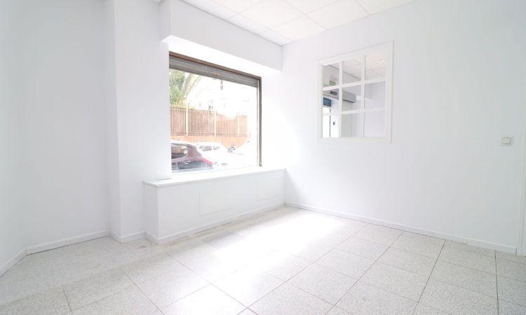 Local en calle Santo Domingo de la Calzada Sevilla Profesiolan 35