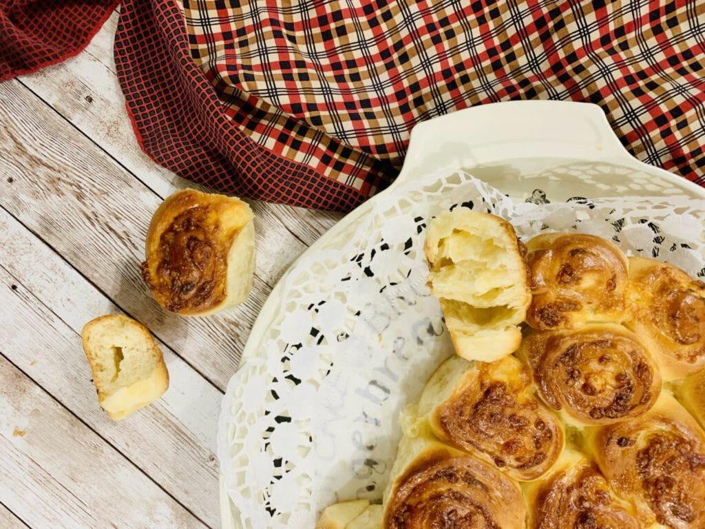 Питка с кашкавал и крема сирене