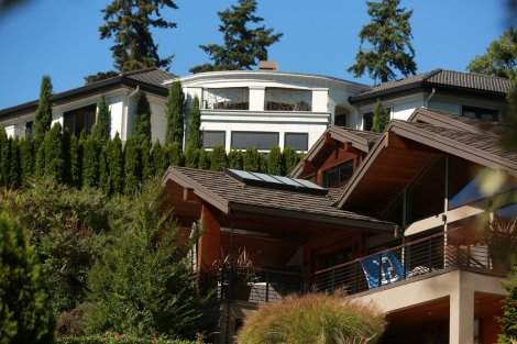 Seahawks Russell Wilson and His New $6.7M Waterfront Home