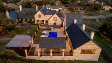 Luxury Home in Waco Texas For Sale by Magnolia Realty