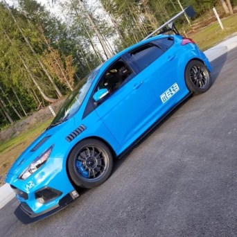 Ford Focus with Professional Awesome Racing Fender Vents 3