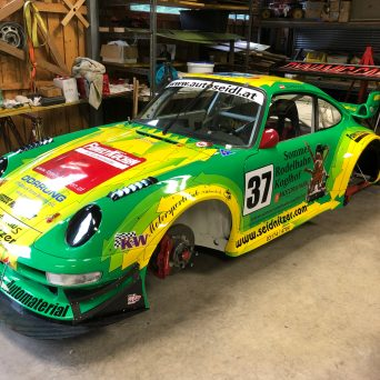 Porsche 911 with Professional Awesome Racing Fender Vents 3