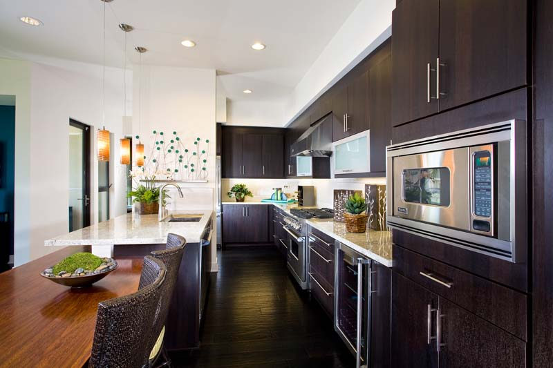 Traditional Style Cabinet Doors Vs Contemporary Styling