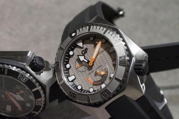 Sea Hawk dark and light colored dials
